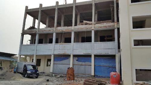 Bangunan dilihat dari tampak depan