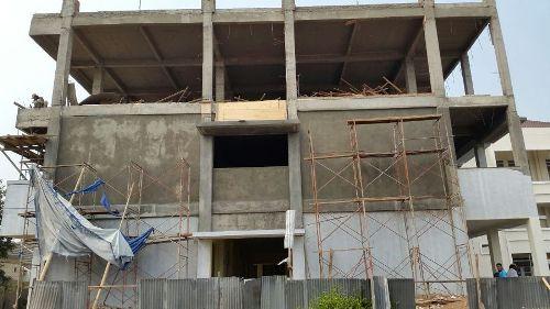 Bangunan Tahap II ini akan digunakan untuk SMP dan SMA nantinya